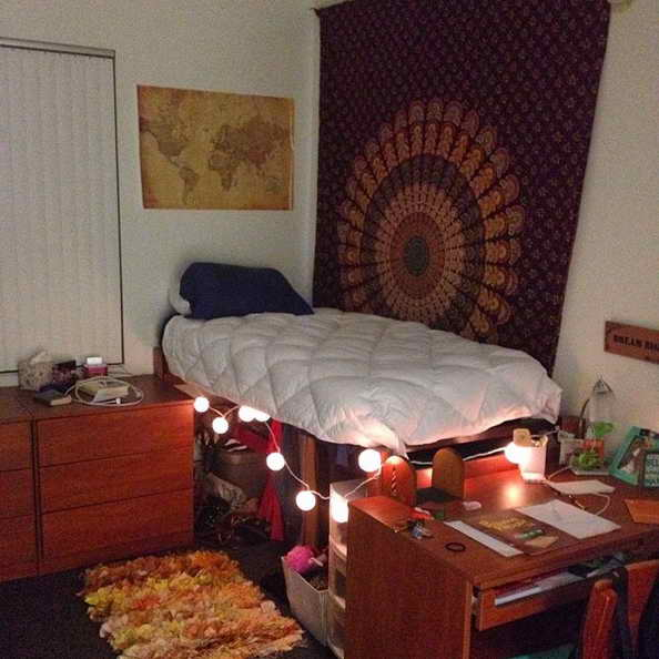 20-comfortable-dorm-room-ideas (25)