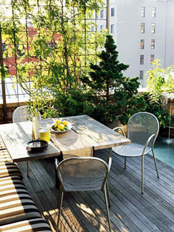35-small-balcony-gardens (10)