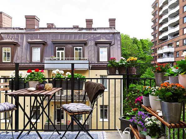 35-small-balcony-gardens (1)