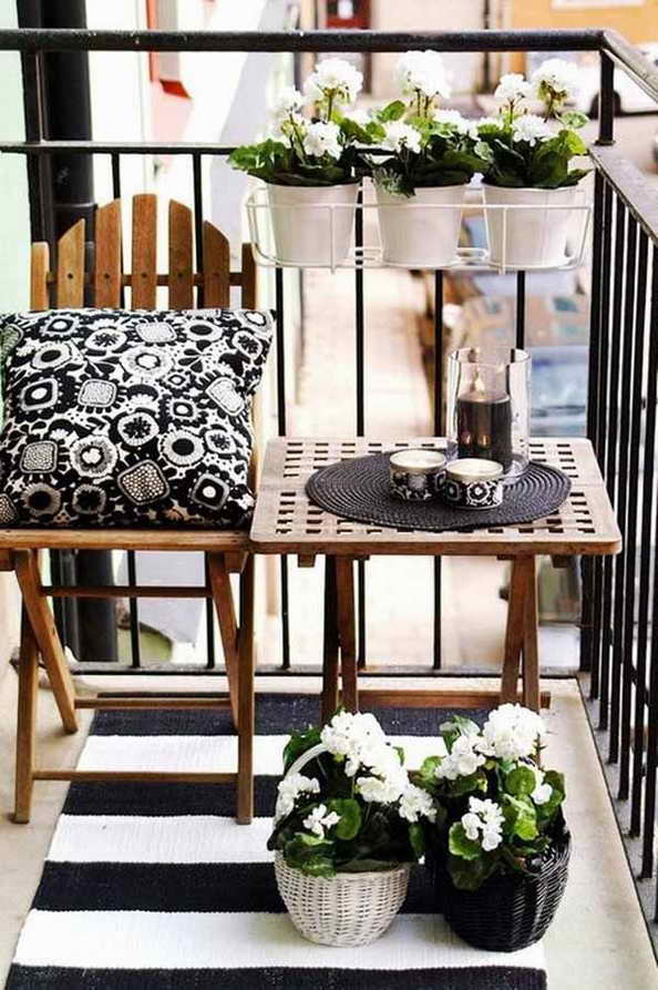35-small-balcony-gardens (25)