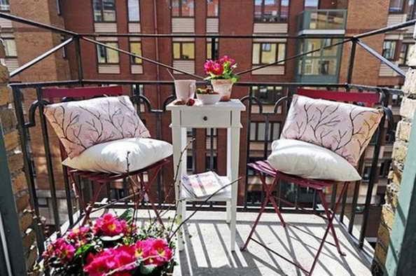 35-small-balcony-gardens (26)