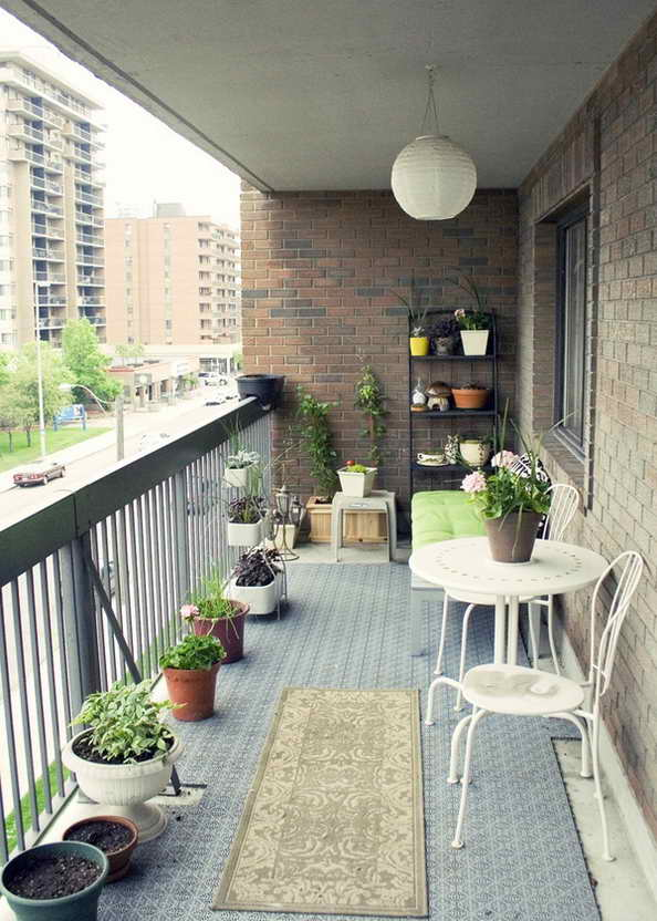 35-small-balcony-gardens (8)