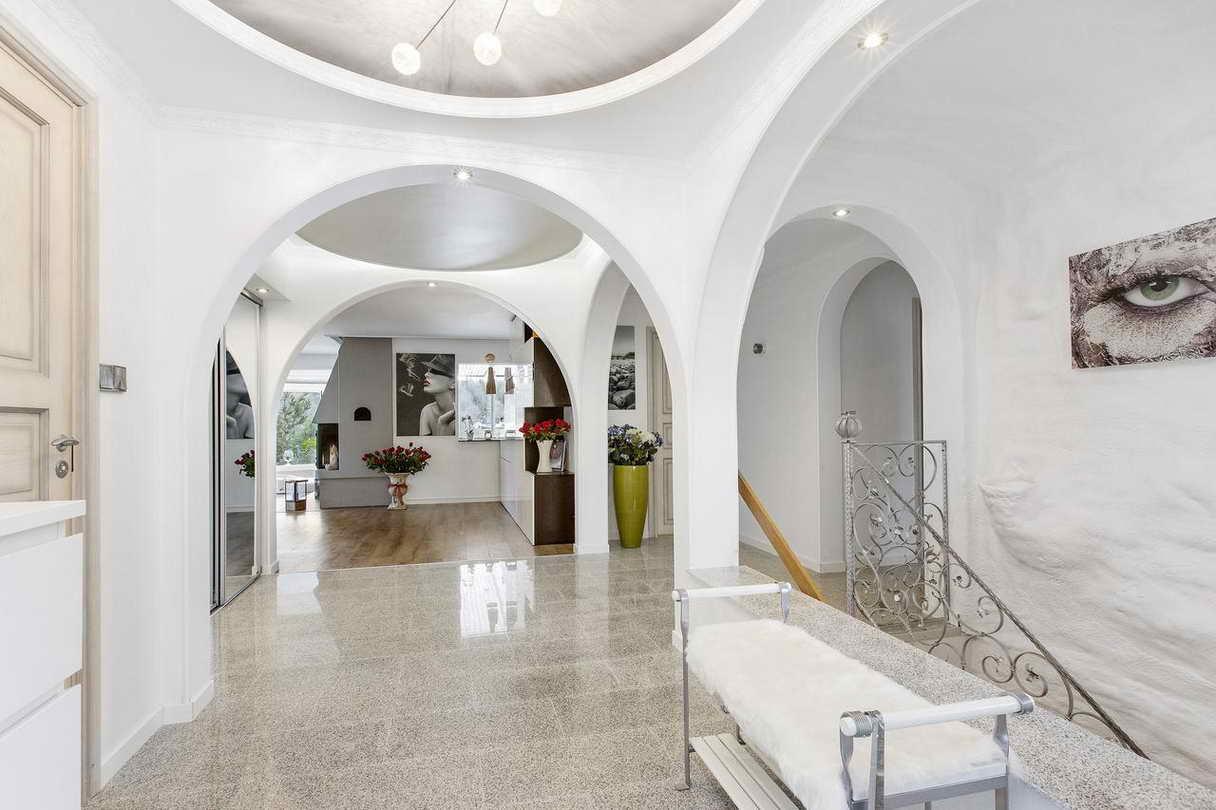 2-stories-elegant-gray-house (11)