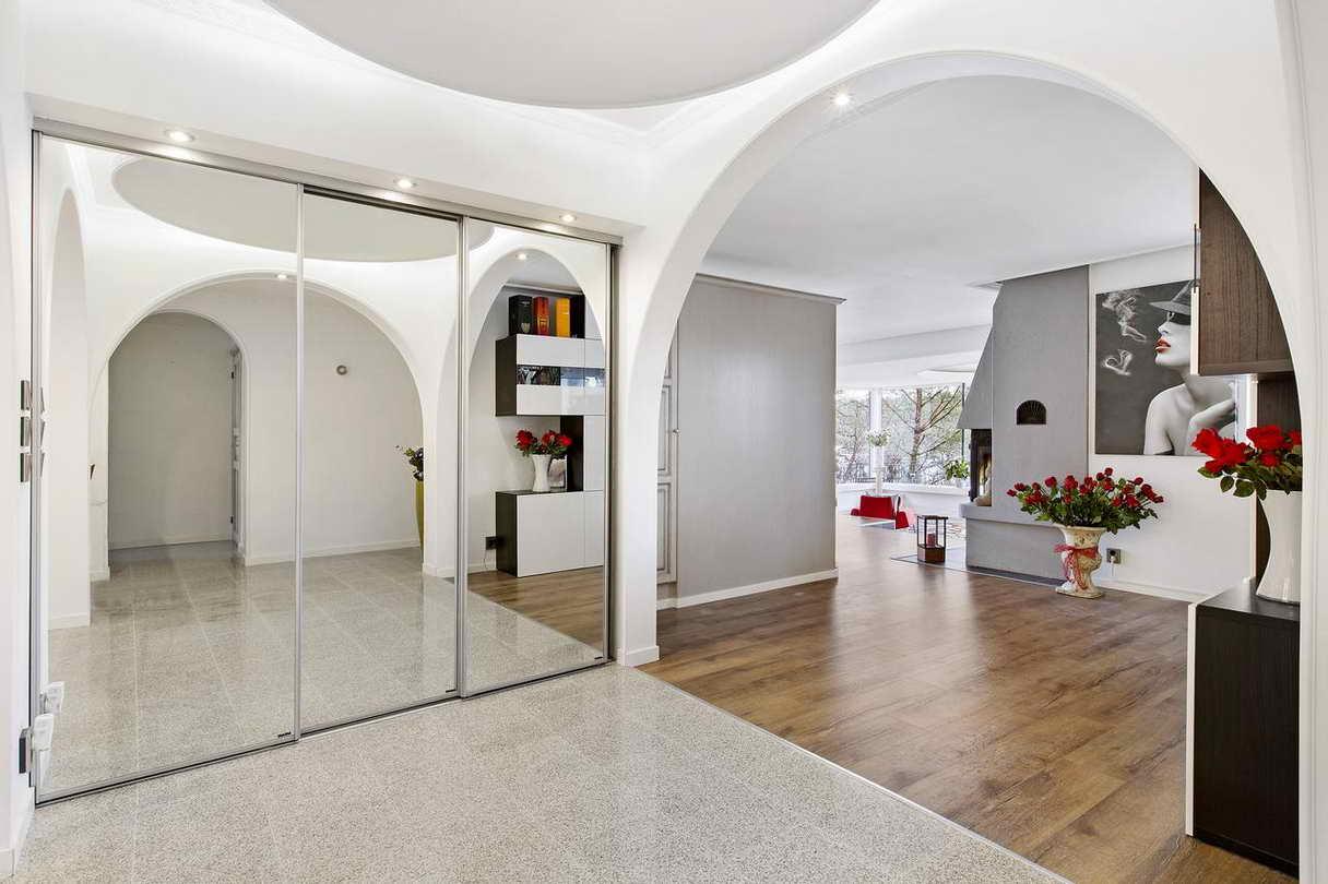 2-stories-elegant-gray-house (15)