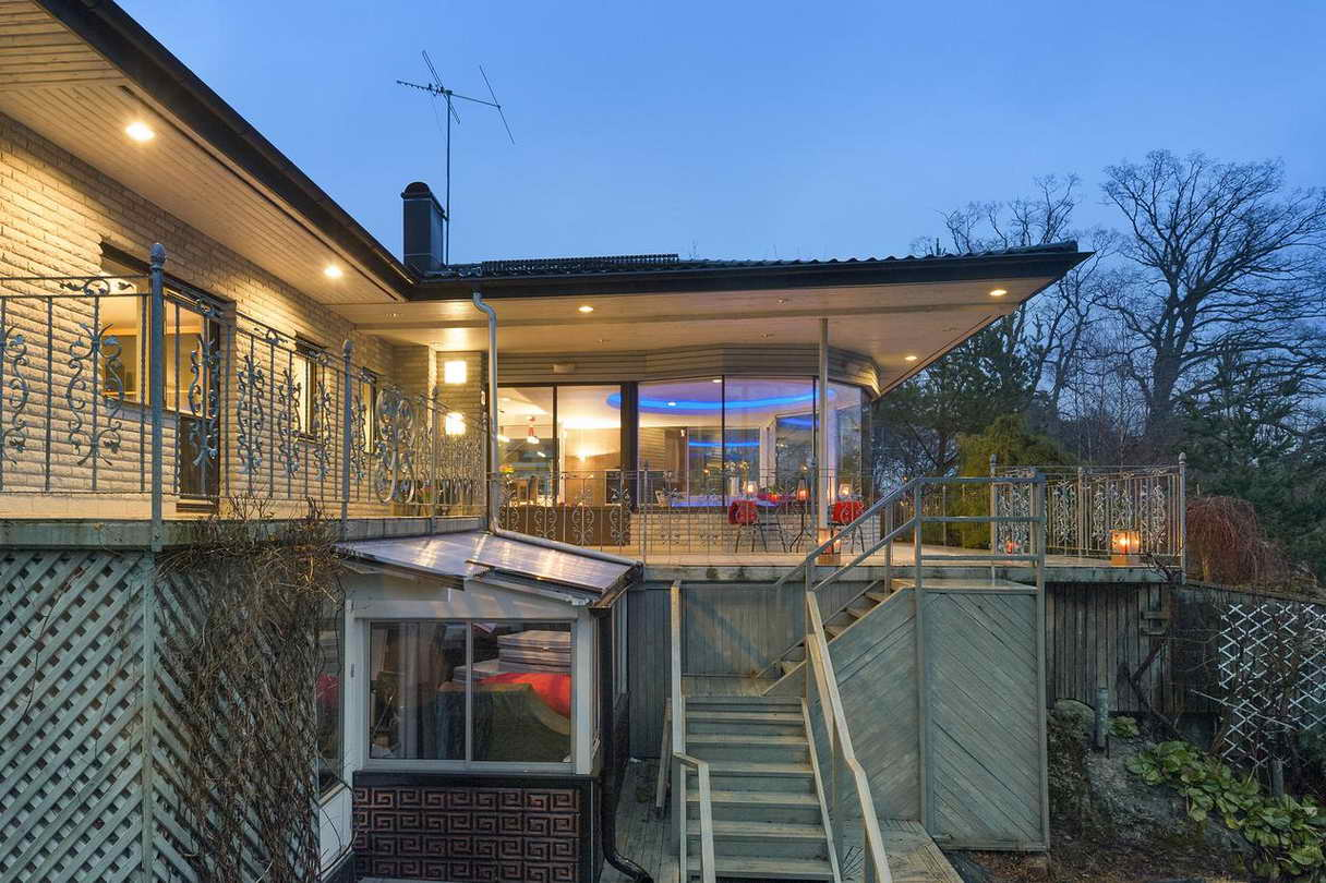 2-stories-elegant-gray-house (27)
