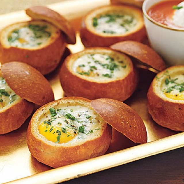 cheesy eggs with ham stuffed in bread recipe (6)
