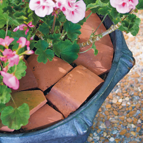 how-to-reuse-broken-terracotta-pot (4)