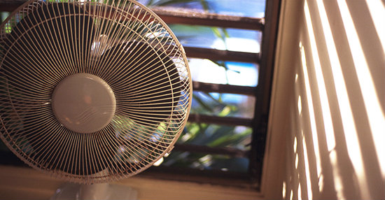 how-to-sleep-over-in-very-hot-summer-night-without-air-conditioner use (2)
