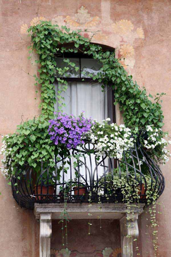 24-ideas-for-charming-exterior-flower-decoration (6)