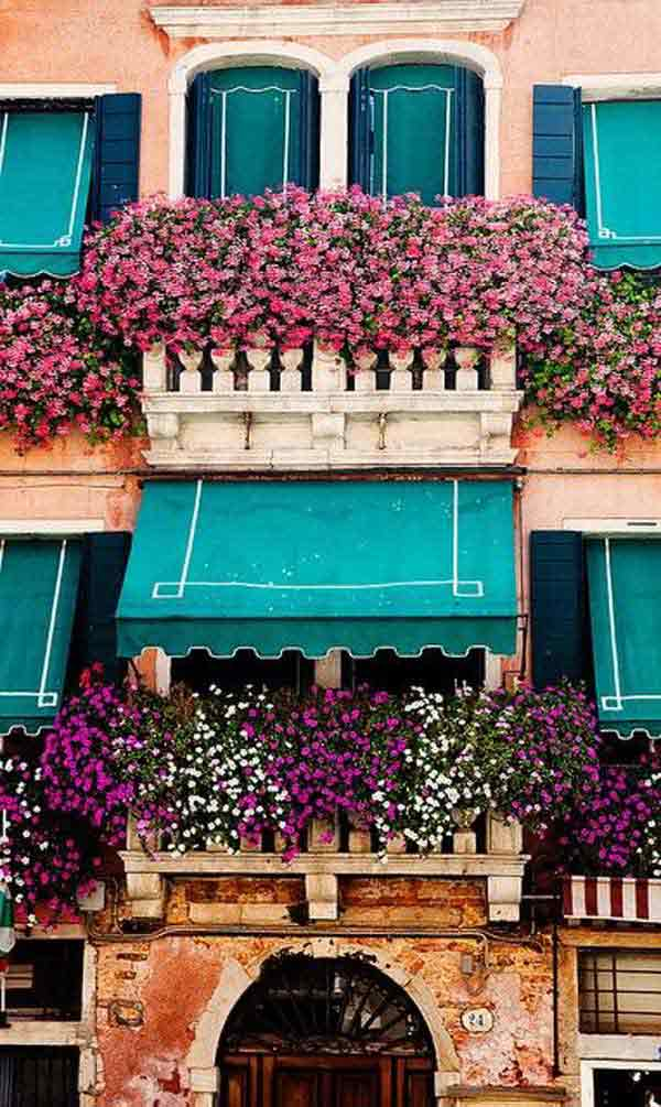 24-ideas-for-charming-exterior-flower-decoration (8)