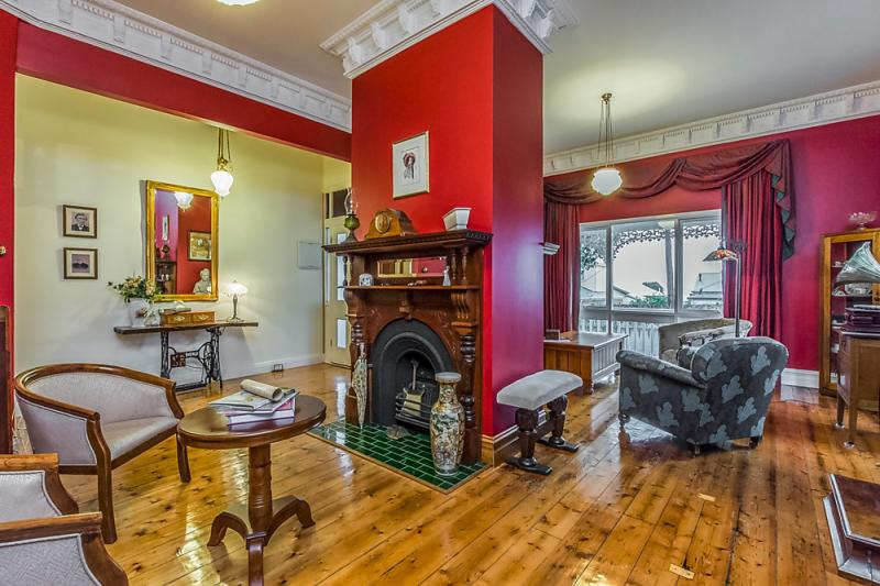 Victorian terrace house with remarkable beauty inside (19)