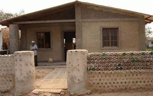 amazing house builded from over 8000 plastic bottles (11)