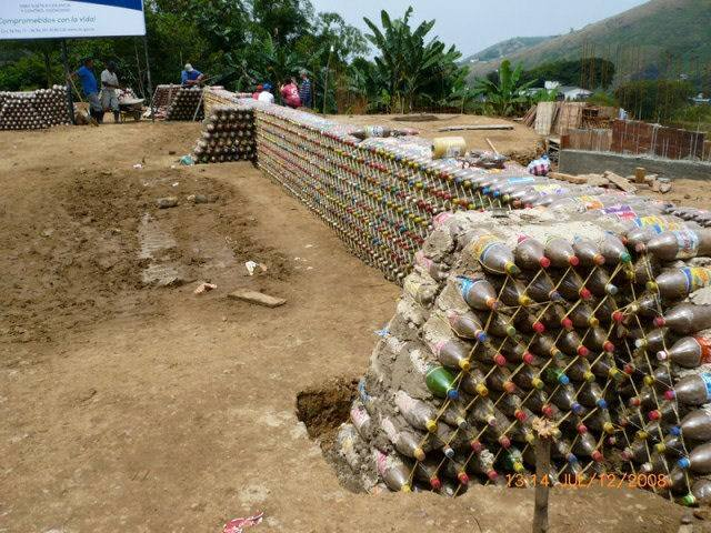 amazing house builded from over 8000 plastic bottles (4)