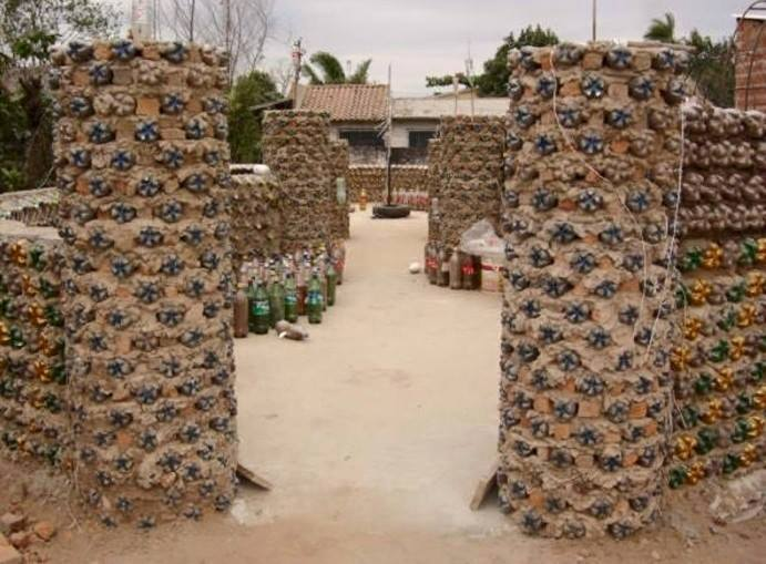 amazing house builded from over 8000 plastic bottles (5)