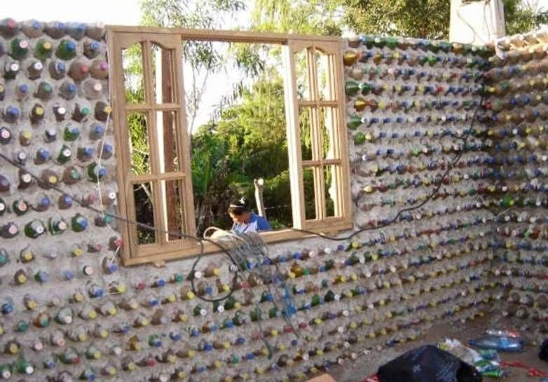 amazing house builded from over 8000 plastic bottles (6)