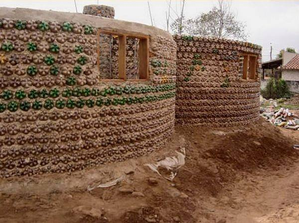 amazing house builded from over 8000 plastic bottles (9)