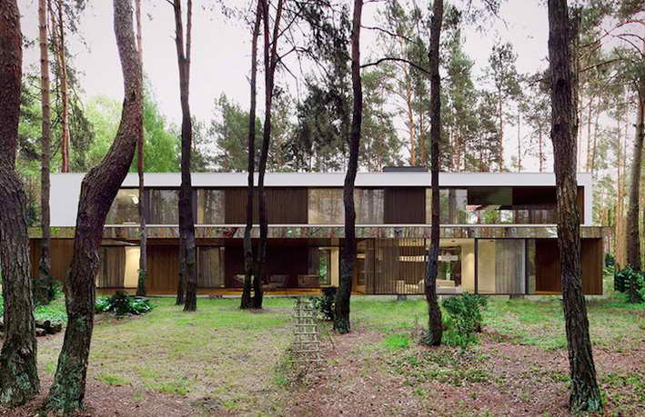 cloaking-mirror-house-in-wood (6)