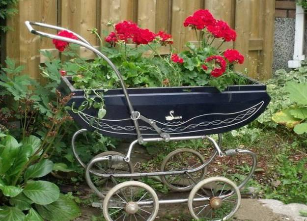 17-ideas-to-recycle-old-trash-into-garden-decorations (4)