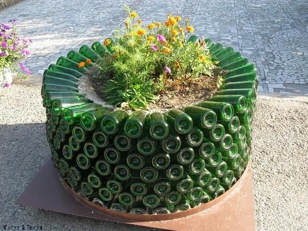 17-ideas-to-recycle-old-trash-into-garden-decorations (7)