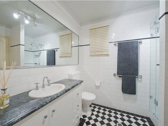 2 floor contemporary basement house (11)