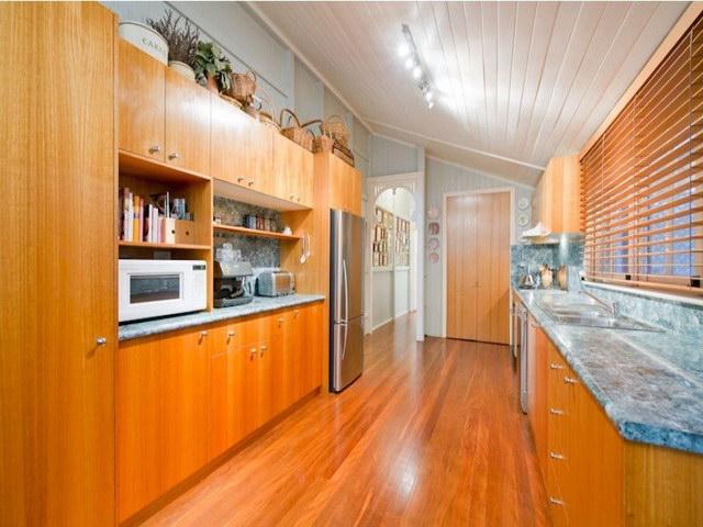 2 floor contemporary basement house (4)