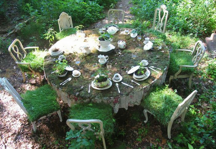 24 ideas to recycle old furniture into garden decorations (11)