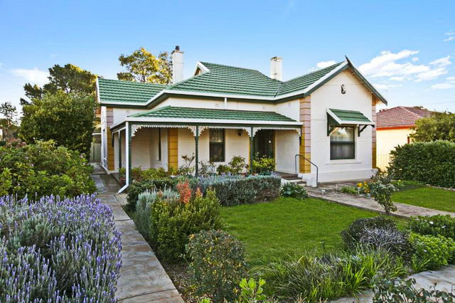 3-bed-1-bath-single-house-with-beautiful-garden-1_resize