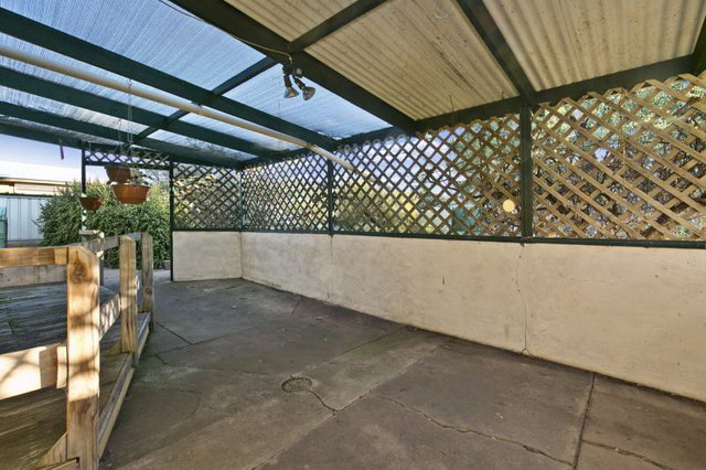 3 bed 1 bath single house with beautiful garden (7)_resize