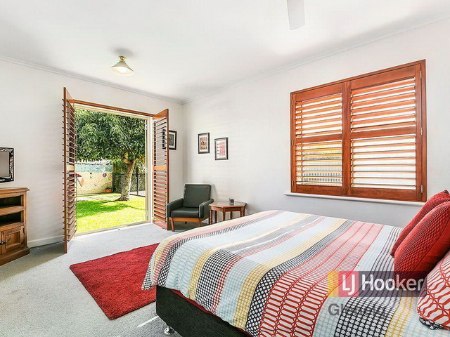 3 bedroom retro brick house (11)