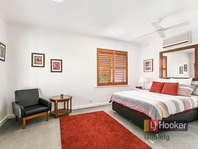 3 bedroom retro brick house (14)
