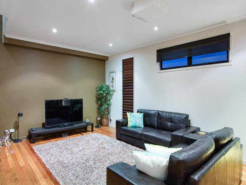 3 floor sublime style house  (2)