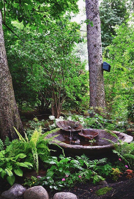 31 dreamy backyard gardens (31)