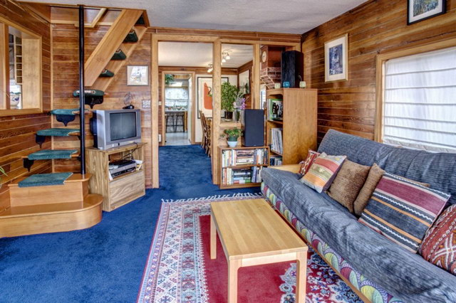 60 sqm rustic floating small house (3)