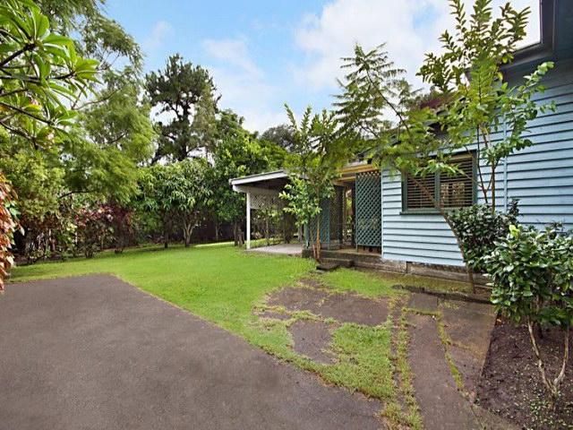 cozy natural contemporary garden house (6)