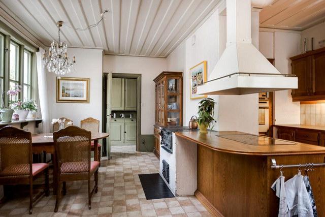 elegant antique villa (11)