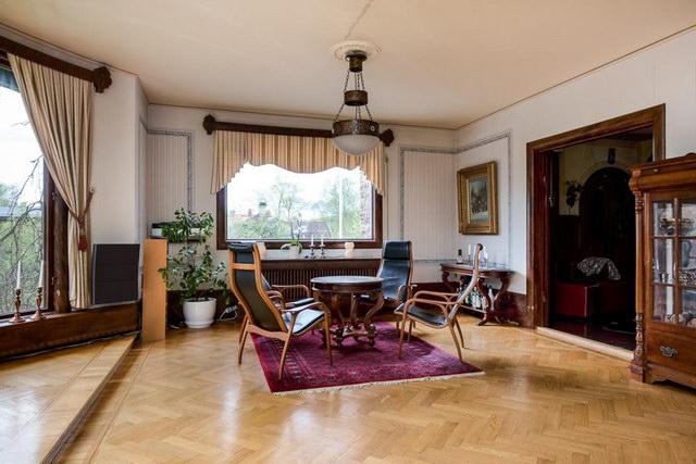 elegant antique villa (14)