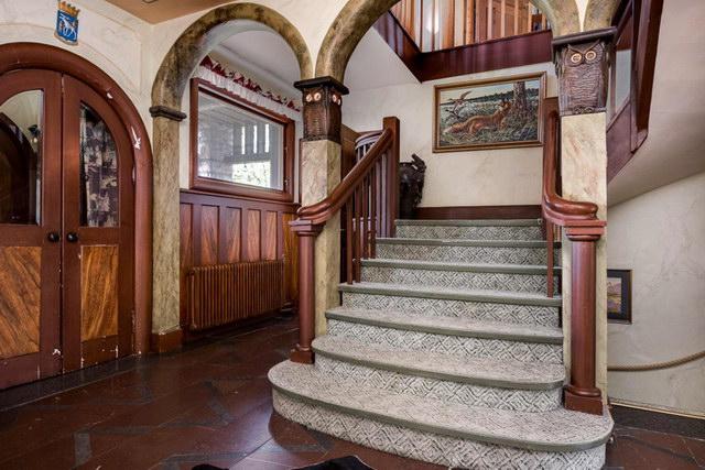 elegant antique villa (18)
