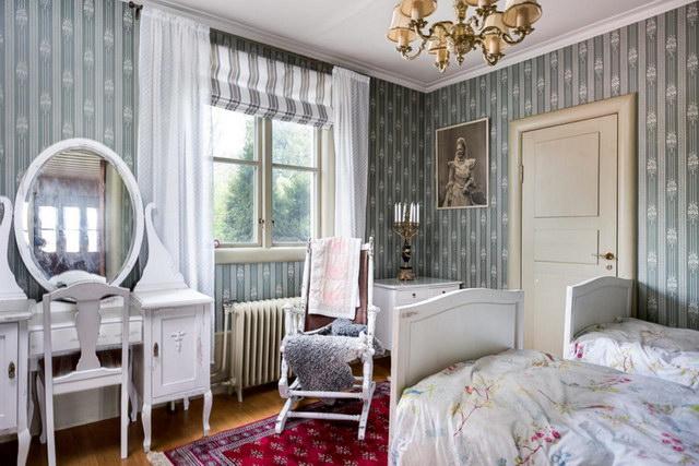 elegant antique villa (20)