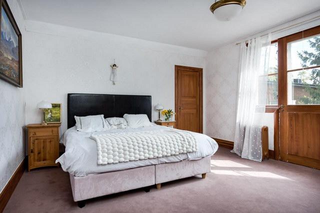 elegant antique villa (25)