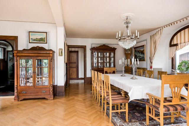 elegant antique villa (8)