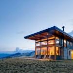 ไอเดียบ้านกระจกกลางพื้นที่ธรรมชาติ ตกแต่งทันสมัย ภายในโปร่งโล่ง