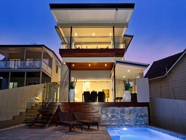 open flatted facade contemporary house  (1)