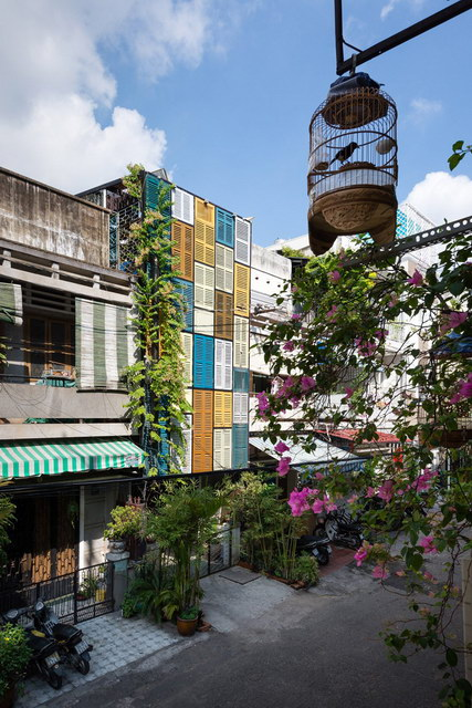 renovate-rowhouse-into-retro-style-in-vietnam (11)