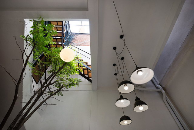 renovate-rowhouse-into-retro-style-in-vietnam (15)