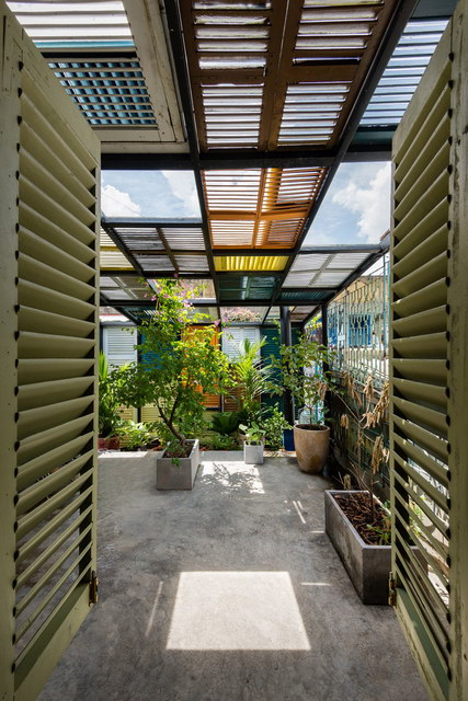 renovate-rowhouse-into-retro-style-in-vietnam (5)