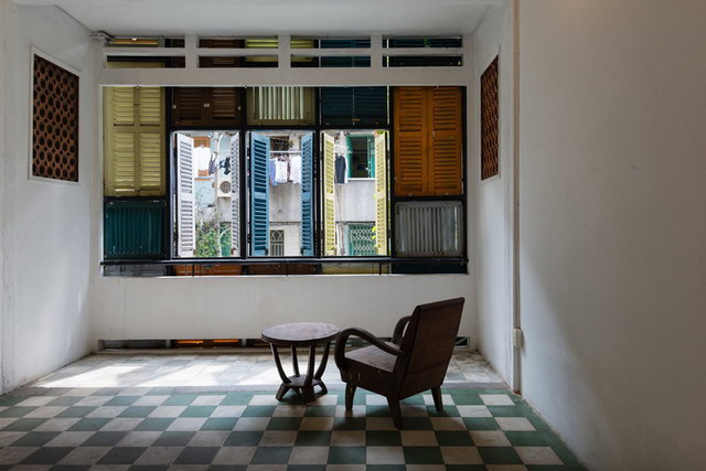 renovate-rowhouse-into-retro-style-in-vietnam (7)