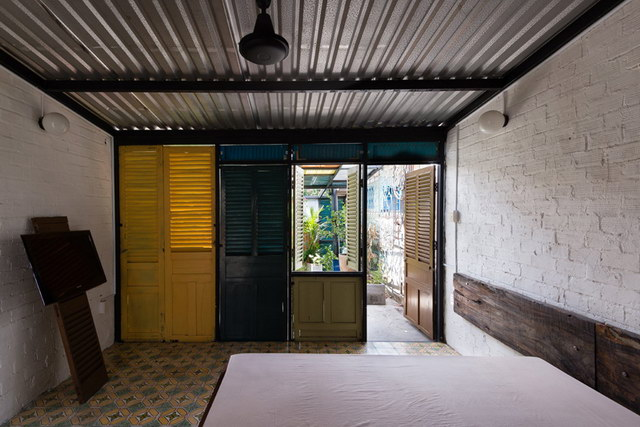 renovate-rowhouse-into-retro-style-in-vietnam (8)