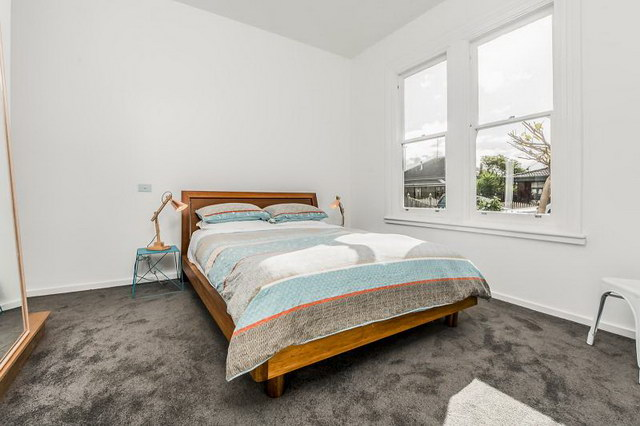 single 3 bedroom contemporary with exceptional patio (4)