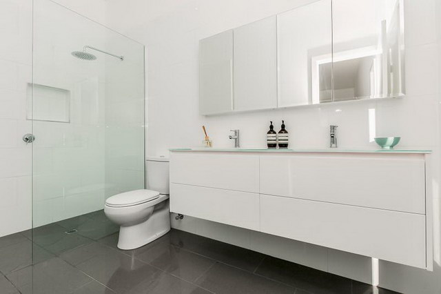 single 3 bedroom contemporary with exceptional patio (5)
