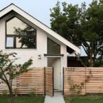 บ้านคอทเทจดีไซน์เรียบง่าย อยู่ติดริมถนน แต่ออกแบบได้เป็นส่วนตัวสุดๆ